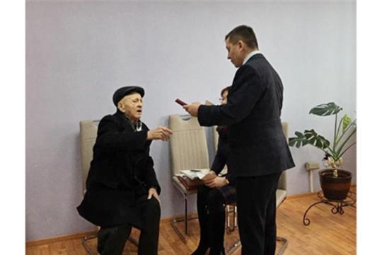 В городе Канаш продолжаются торжественные награждения юбилейными медалями «75 лет Победы в Великой Отечественной войне 1941-1945 гг.»