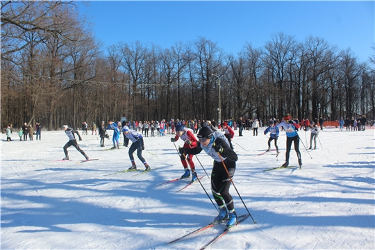 Канашцы приняли активное участие в массовой лыжной гонке «Лыжня России»