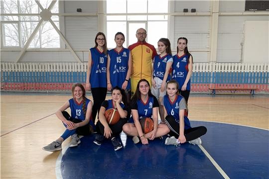 Баскетбольные команды города Канаш выигрывают медали официальных республиканских соревнований среди игроков до 16 лет и среди студенческих команд