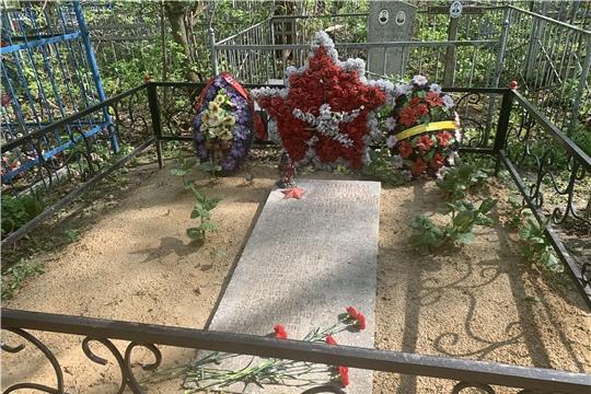 На городском кладбище г. Канаш состоялось возложение венков и цветов на братские могилы воинов, павших в Великой Отечественной войне