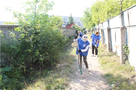 Экологический субботник проведен в Восточном микрорайоне города Канаш
