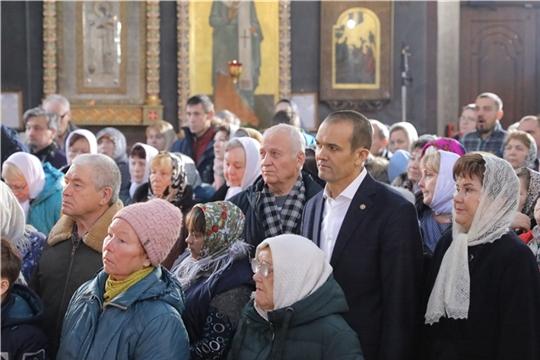Глава Чувашии Михаил Васильевич Игнатьев с супругой Ларисой Юрьевной в Рождественское утро посетили храм