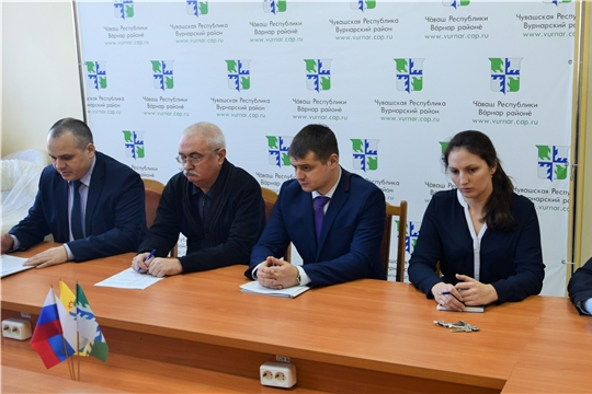 Плановые проверки и профмероприятия сотрудников МЧС Чувашии в Вурнарском районе