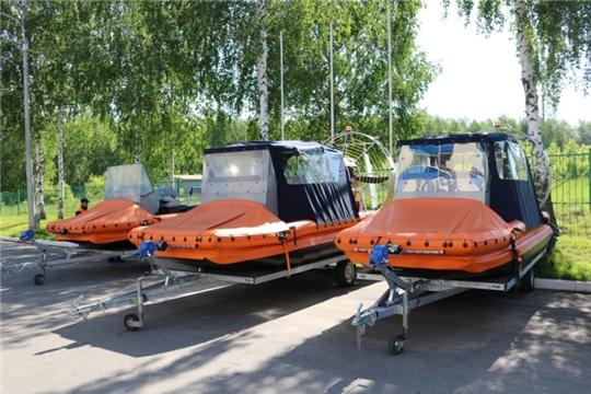 На республиканские средства спасатели ГКЧС Чувашии получили уникальные аэролодки «Ижора»