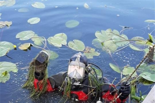 Обследование водолазами дна водоемов республики продолжается