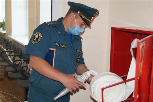 МЧС России участвует в обеспечении безопасности в местах голосования