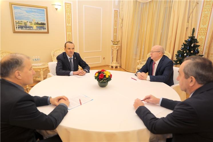 Михаил Игнатьев поблагодарил сотрудников органов правопорядка за слаженную работу во время новогодних и рождественских мероприятий