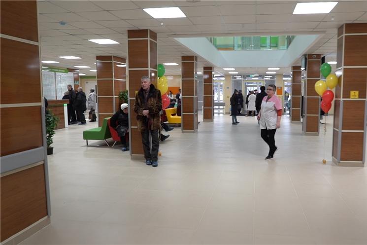 В Чебоксарах открылась инновационная многопрофильная поликлиника на проспекте Ленина
