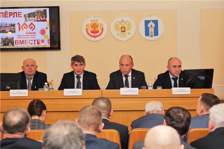 Олег Николаев поставил задачу разработать современные программы комплексного развития муниципальных образований