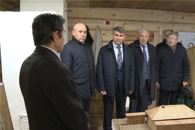 В селе Тарханы Батыревского района отметили 140-летие со дня рождения Алексея Кокеля и открыли после реставрации дом-музей художника.