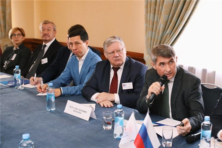 Олег Николаев представил в Москве инвестиционный потенциал Чувашии