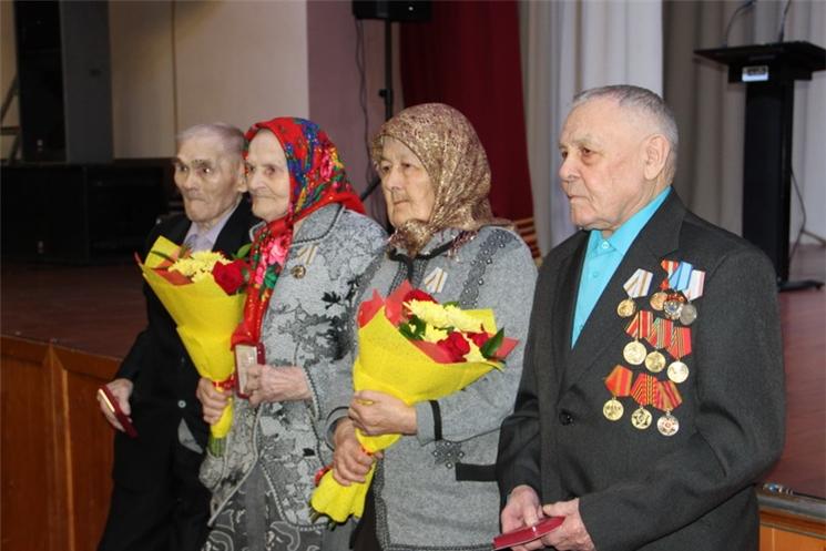 В Цивильском районе ветеранам вручили юбилейные медали к 75-летию Великой Победы