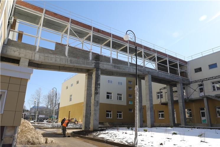 Ознакомление с ходом строительства нового инфекционного корпуса Городской детской больницы №2