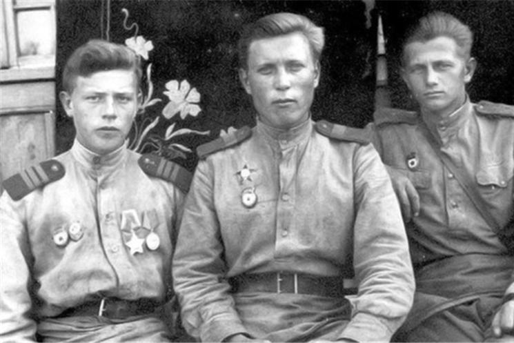 75-летие Победы: ветеран Глякин Яков Петрович - прошел всю войну и воспитал сыновей медиков