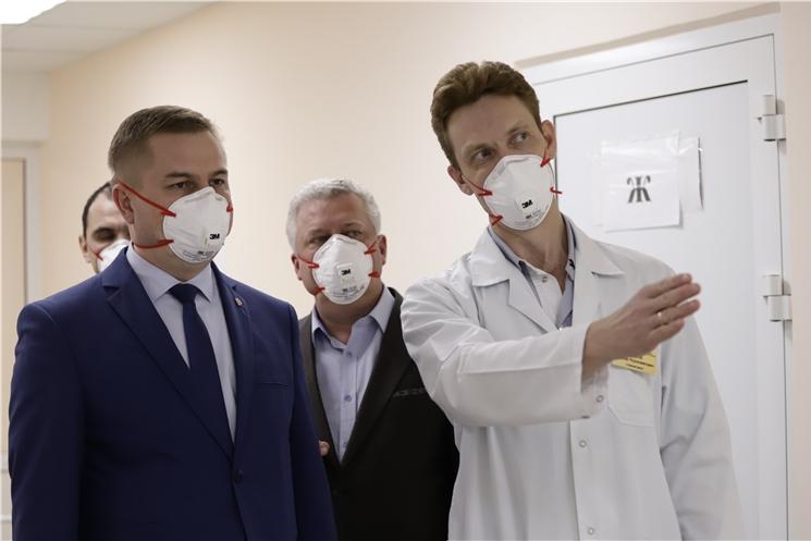 Министр здравоохранения Чувашии ознакомился с условиями пребывания пациентов в инфекционном отделении БСМП
