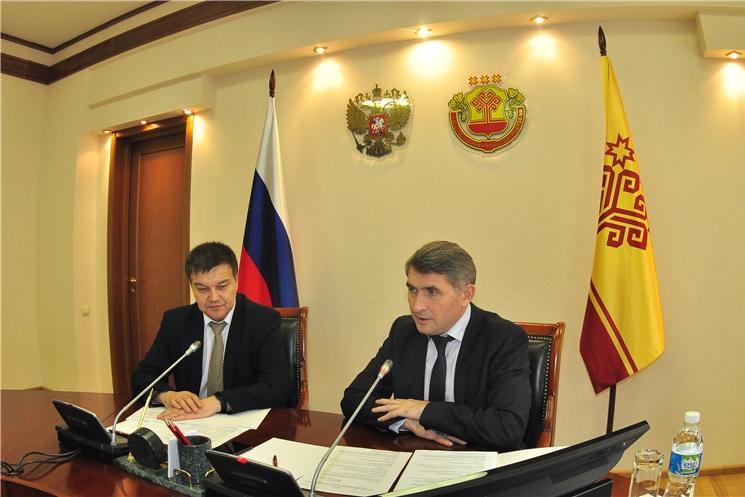 Олег Николаев поручил рассмотреть возможность ужесточения наказания за оставленный мусор