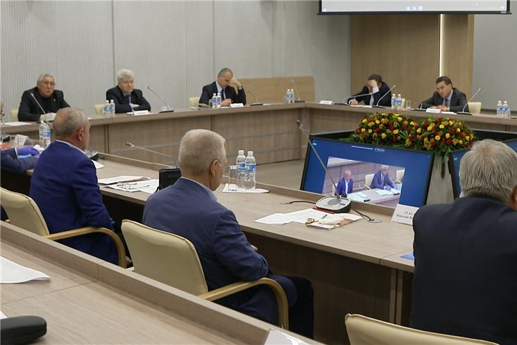 Олег Николаев встретился с представителями строительной отрасли