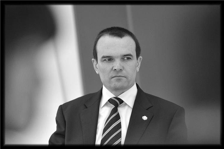 По поручению врио Главы Чувашии Олега Николаева создана Правительственная комиссия по организации похорон Михаила Игнатьева