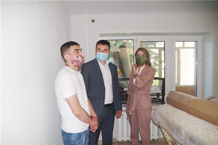 В Чебоксарах ремонтируют квартиры ветеранов