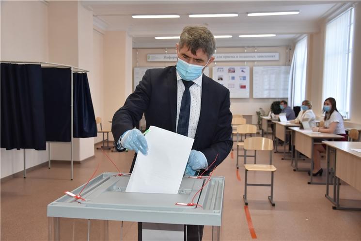Врио Главы Чувашии Олег Николаев проголосовал за внесение поправок в Конституцию РФ