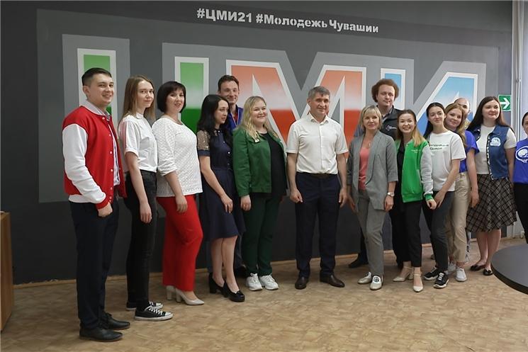 Врио Главы Чувашии поздравил волонтеров с Днем молодежи