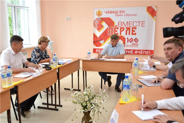 Олег Николаев в Цивильском районе открыл «День поля-2020» и обсудил планы развития муниципалитета