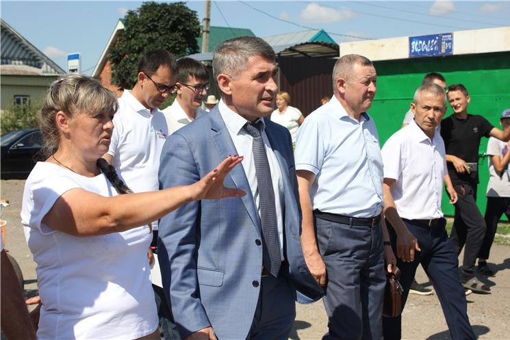 Олег Николаев обратил внимание местных властей на то, что необходимо слушать и слышать население