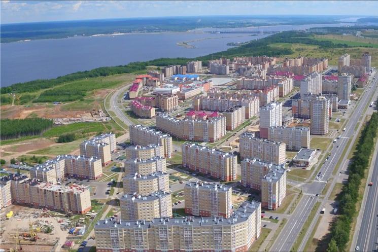 Олег Николаев поздравил строителей в «Новом городе»