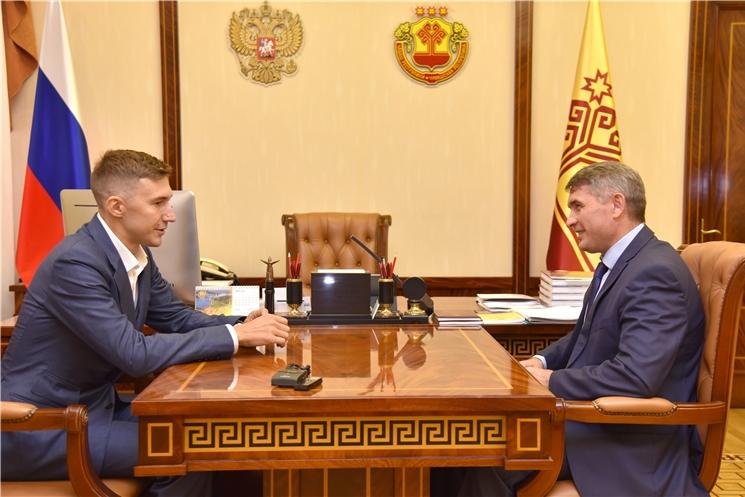Олег Николаев обсудил с Сергеем Карякиным перспективы развития шахматного спорта в Чувашской Республике