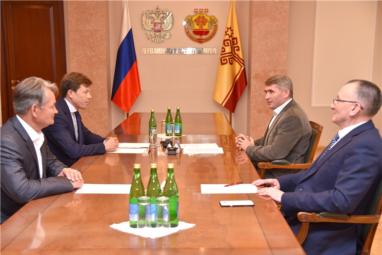 Олег Николаев встретился с президентом Союза биатлонистов России Виктором Майгуровым