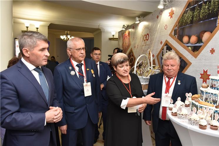 Олег Николаев поздравил Чувашпотребсоюз со 100-летием