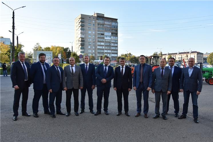 Олег Николаев поздравил машиностроителей Чувашии с профессиональным праздником