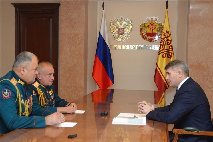 Главе Чувашии Олегу Николаеву представлен новый военный комиссар Чувашской Республики Бахтиёр Холиков