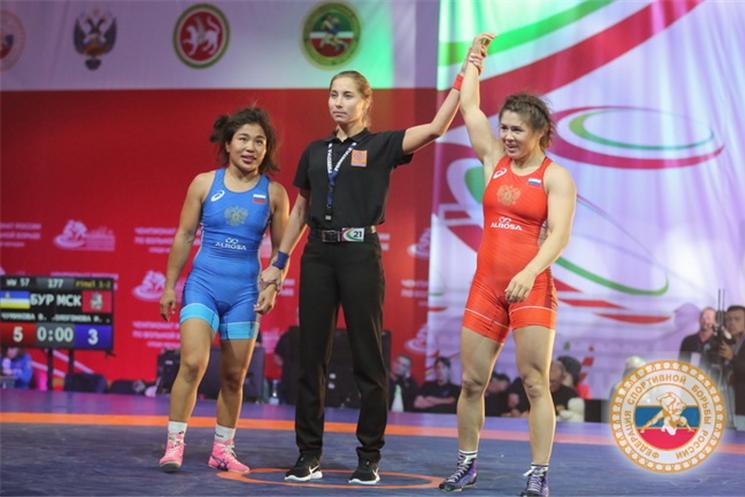 Сборная Чувашии завоевала 4 медали чемпионата России по женской вольной борьбе