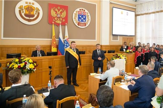 Олег Николаев поздравил нового главу города Чебоксары Олега Кортунова с избранием