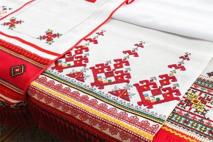Олег Николаев учредил День чувашской вышивки