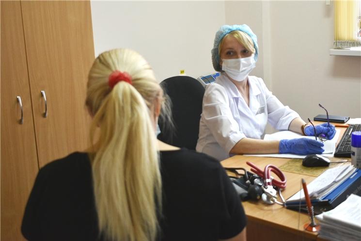 Врач-кардиолог кардиодиспансера проконсультировала пациентов в Вурнарском районе