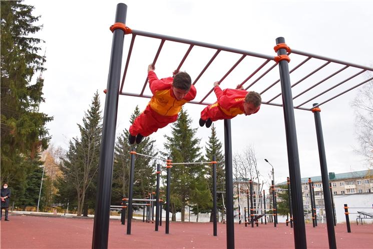В Чебоксарах появилась новая спортивная площадка для воркаута