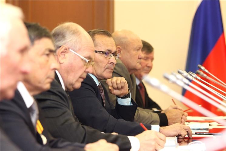 Олег Николаев обсудил с ветеранами АПК вопросы развития сельского хозяйства