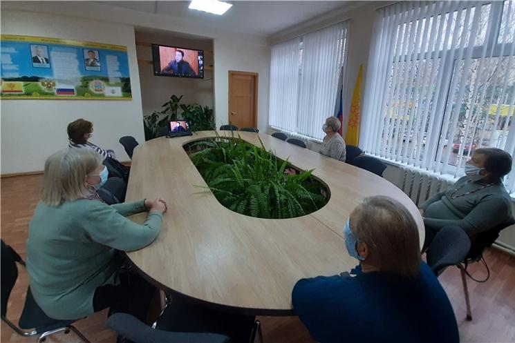 В комплексном центре состоялась творческая онлайн-встреча с российскими артистами в рамках проекта «Бабушка. Онлайн»