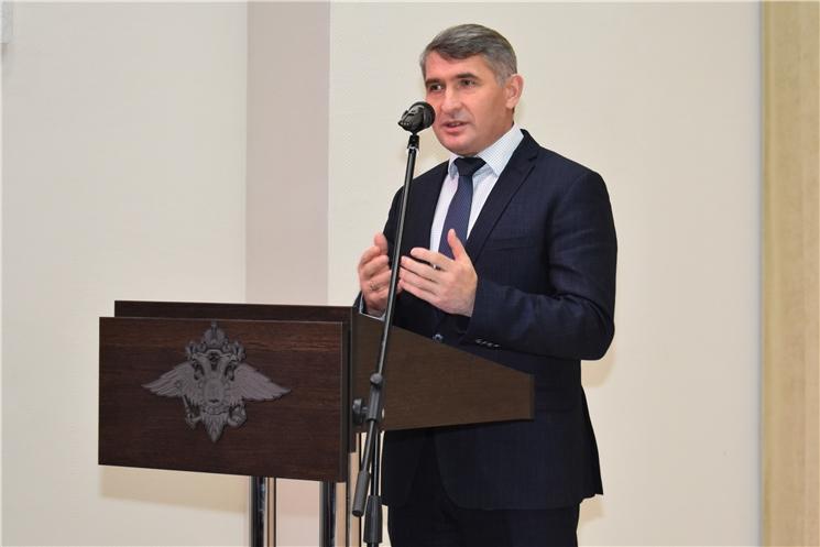 Глава Чувашии принял участие в торжественном мероприятии, посвященном Дню сотрудника органов внутренних дел