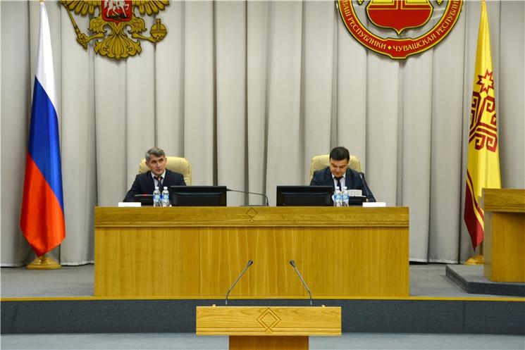 Олег Николаев поприветствовал участников семинара-совещания с главами муниципальных районов и городских округов