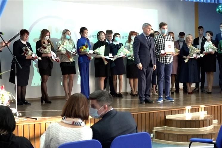 Олег Николаев открыл республиканский форум добровольцев «Доброфорум».