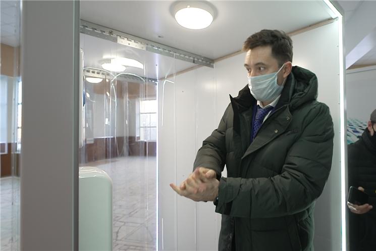Чебоксарский завод по производству автомобильных ремонтных устройств представил новые  дезинфекционные  кабины