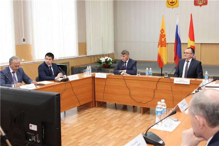 Олег Николаев провел совещание по вопросам строительства спортивных объектов в Чувашии