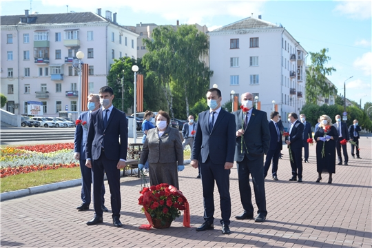 Депутаты Госсовета Чувашии почтили память героев Великой Отечественной войны