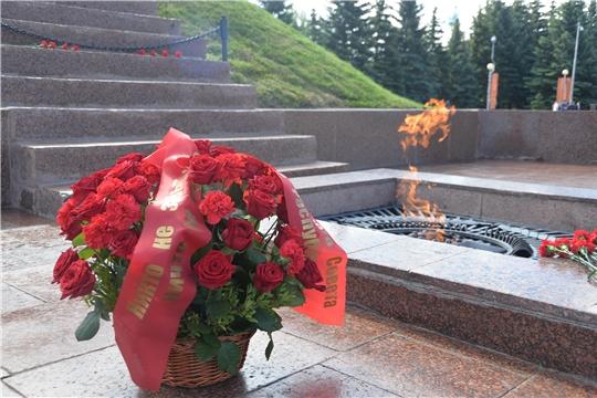 В День памяти и скорби депутаты Госсовета Чувашии почтили память героев Великой Отечественной войны