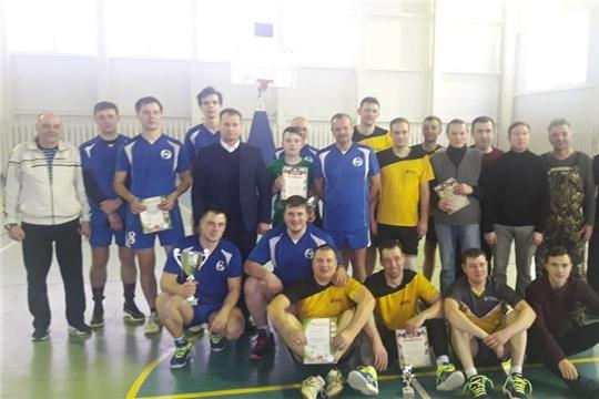 Волейболисты разыграли Кубок главы администрации города Шумерля