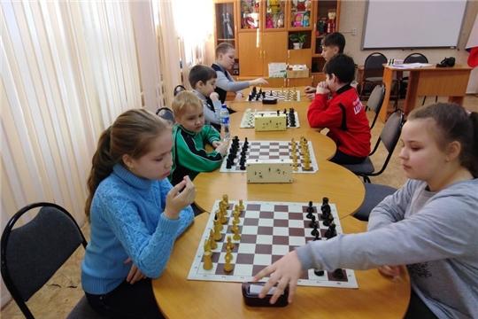 В Шумерле определили лучшую школьную команду по шахматам