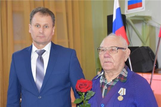 Шумерлинским ветеранам вручили медали в честь 75-летия Победы